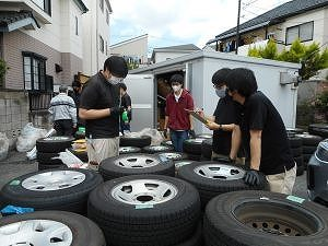 タイヤ庫の整理実施
