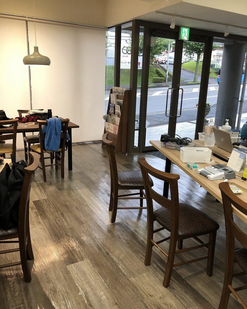 横浜支店執務スペース!外から見るとcafeのようです