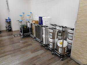 新たに作製したコーティング剤用の台車!8ヶ収納できる優れものです