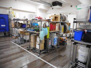 整然とモノが置かれ出した横浜支店倉庫スペース