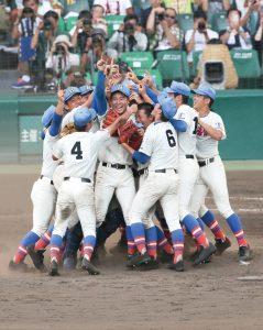 第99回全国高校野球選手権で初戦から全6試合2桁安打の猛攻で、 埼玉県勢初優勝となりました! !