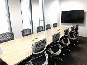 10名・8名の会議室を備えております。
